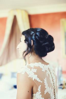 coiffure de mariée chignon cheveux mi long et anglaise